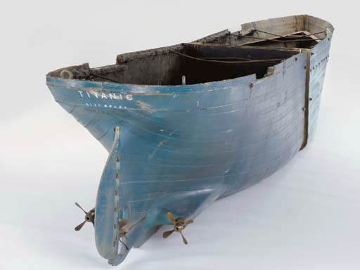 PROP TITANIC HULL FROM