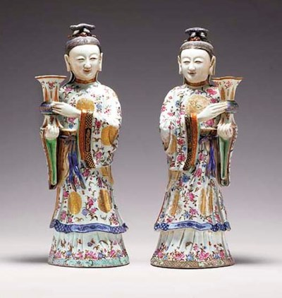 A PAIR OF FAMILLE ROSE FIGURES
