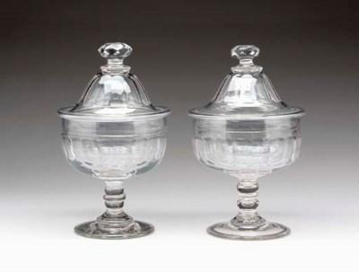 A PAIR OF GEORGE III GLASS FOO