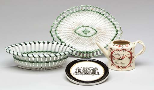 AN ENGLISH PEARLWARE NAVETTE-S
