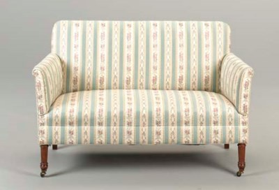 A FEDERAL STYLE SETTEE,
