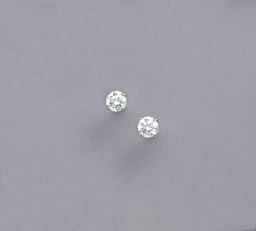 A PAIR OF DIAMOND AND 14K WHIT