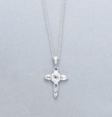 A DIAMOND AND PLATINUM CROSS P