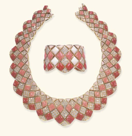 **A SPECTACULAR SUITE OF CORAL