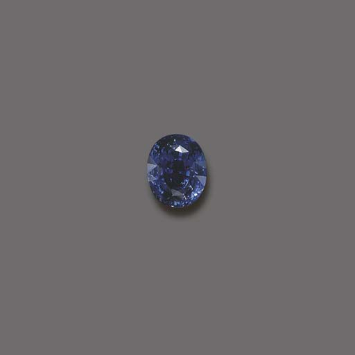 AN UNMOUNTED OVAL-CUT SAPPHIRE