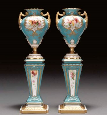 A PAIR OF ROYAL WORCESTER TURQ