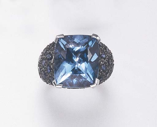 A BLUE TOPAZ, SAPPHIRE AND 18K