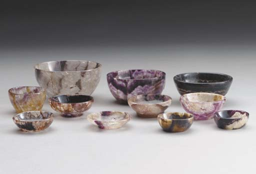 EIGHT BLUEJOHN SMALL DISHES AN