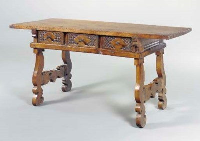 A SPANISH WALNUT CENTER TABLE,