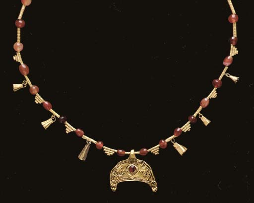 A GREEK GOLD AND CARNELIAN NEC