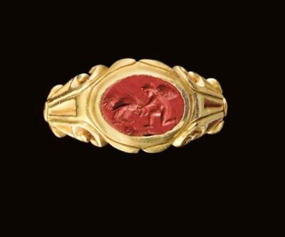 A ROMAN GOLD AND RED JASPER FI