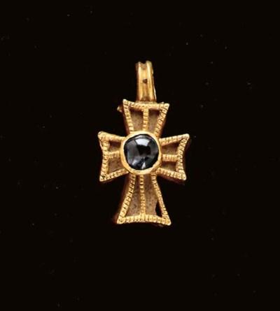 A BYZANTINE GOLD, GLASS AND SA