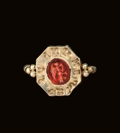 A VISIGOTHIC GOLD AND CARNELIA