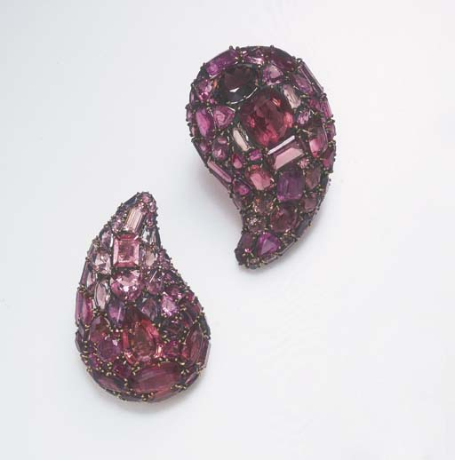 A PAIR OF TOURMALINE BROOCHES,