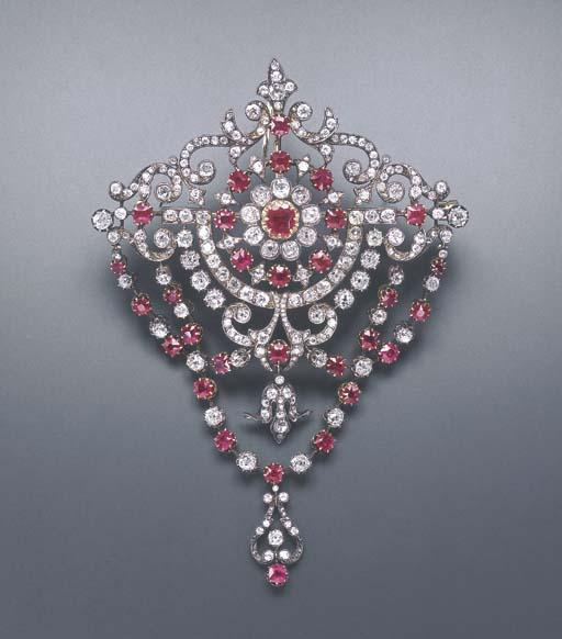 AN IMPRESSIVE ANTIQUE DIAMOND