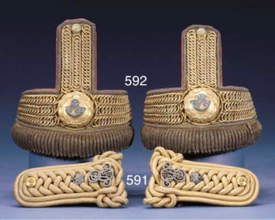 A PAIR OF GOLD SHOULDER-CORDS