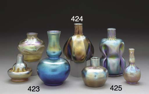 A GROUP OF THREE MINIATURE FAVRILE GLASS VASES