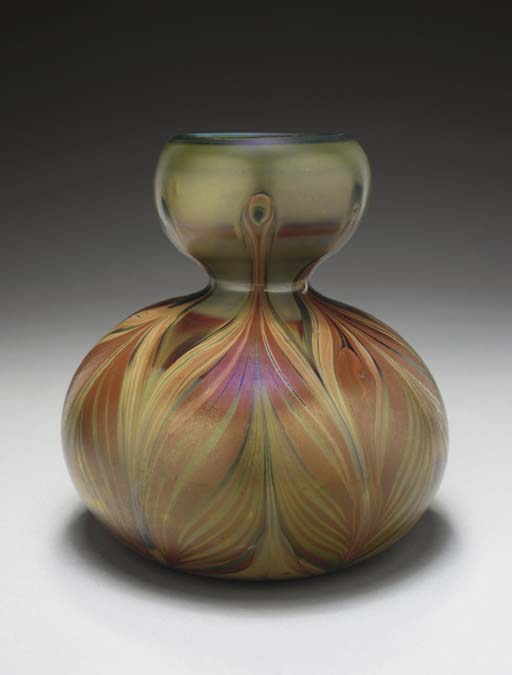 A DECORATED FAVRILE GLASS GOUR