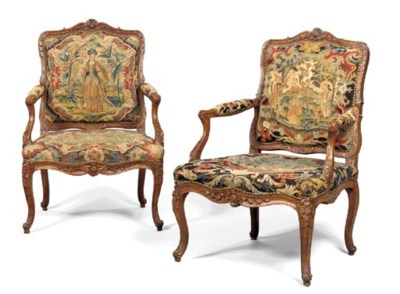 A PAIR OF MATCHED LOUIS XV STA