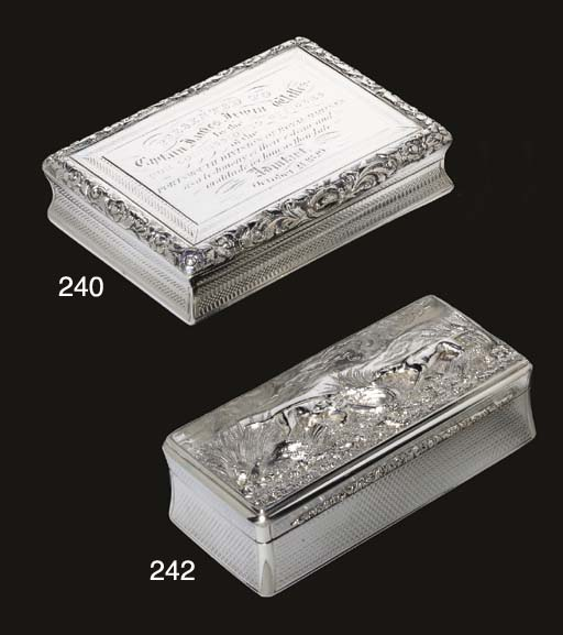 AN EARLY VICTORIAN SILVER SNUF