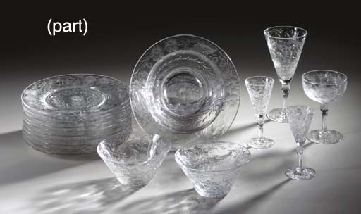 TWELVE GLASS CHINOISERIE SOUP