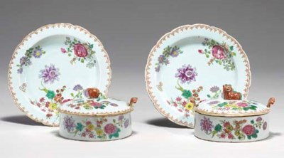 TWO CHINESE EXPORT BUTTER TUBS