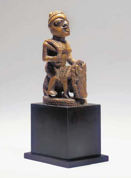 CAVALIER EN IVOIRE OWO