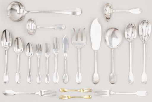 SERVICE DE TABLE EN ARGENT
