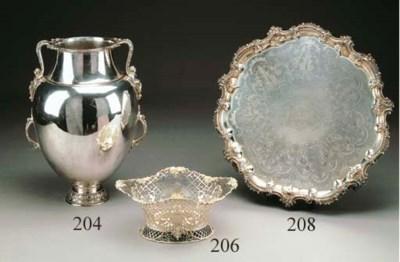 Grande salver in argento Willi