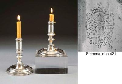 Interessante coppia di candeli