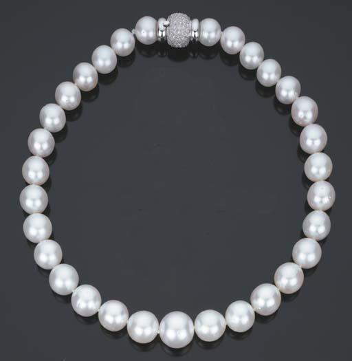 Collana in perle coltivate australiane e brillanti