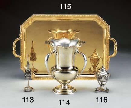 Vassoio in argento dorato
