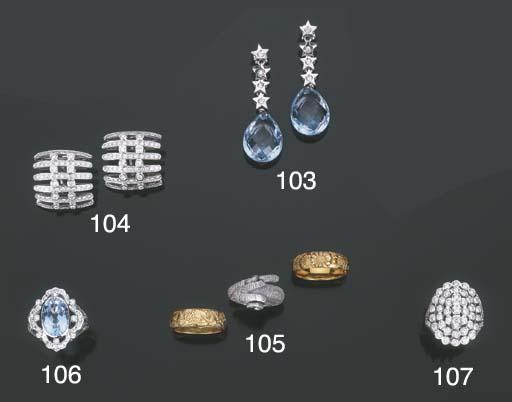 Gruppo di gioielli in oro