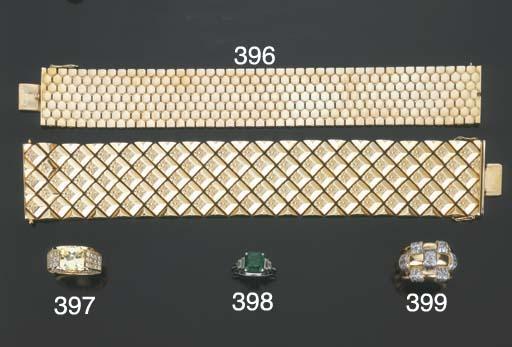 Due bracciali in oro