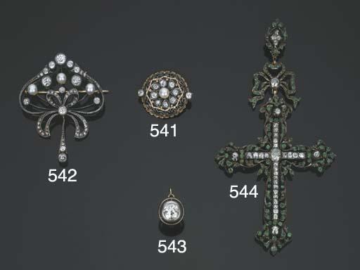 Antica spilla in argento e oro