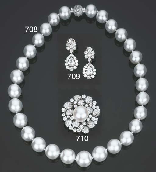 Clip in platino, diamanti e pe