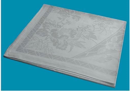 A fine linnen damask tableclot