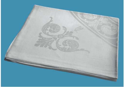 (7) A fine damask linnen table