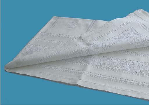 A linnen tablecloth