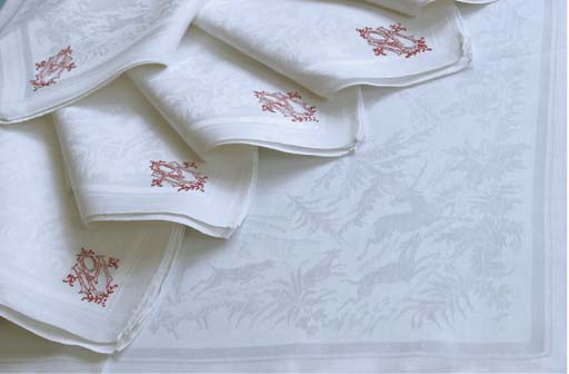 (9)  Nine fine damask linnen n
