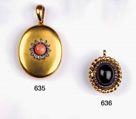AN ANTIQUE, GOLD, DIAMOND AND