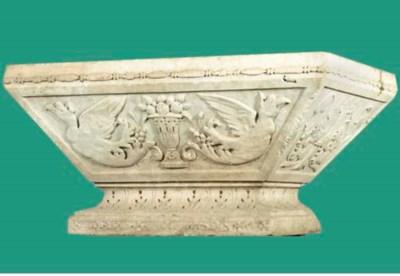 An Italian  white marble jardi