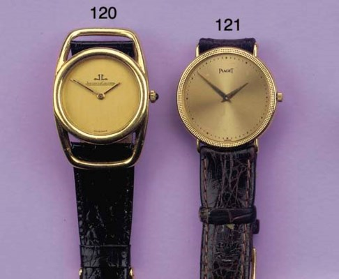AN 18K GOLD WRISTWATCH, BY PIA