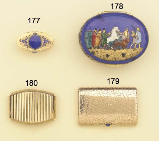 (3)   A fine gold-mounted cut-