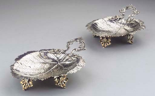 (2) A pair of silver leaf-shap