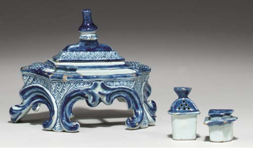 (4) A Dutch Delft blue and whi