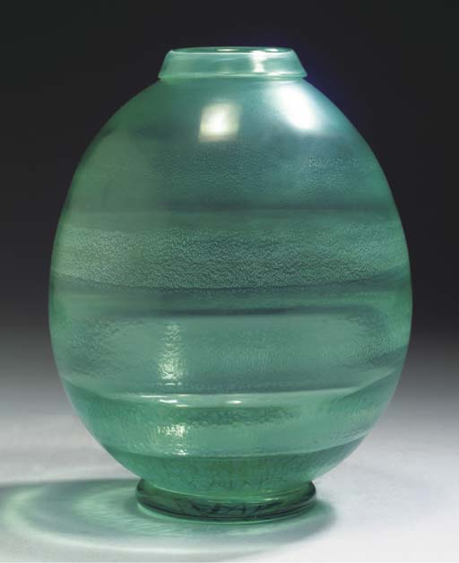 SERICA 32, A GREEN GLASS VASE