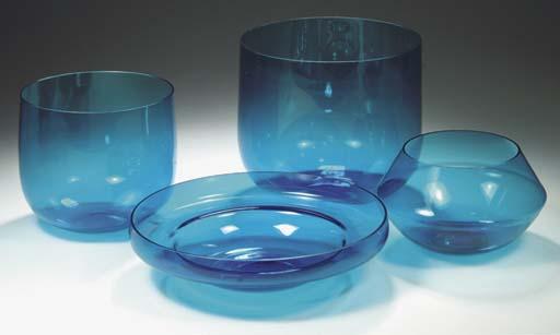 (4) Harlekiini, four blue glas