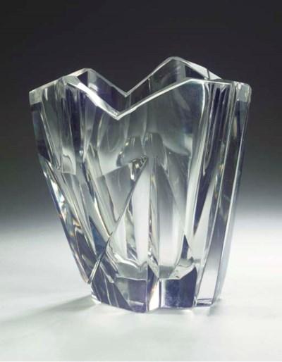 Jäävuori (Iceberg), a glass va
