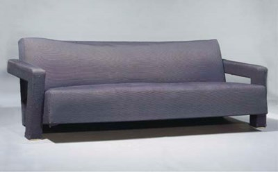 R32, a settee